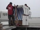Saison ist eröffnet:Erste Strandkörbe an der Nordeseeküste (Vorschaubild)