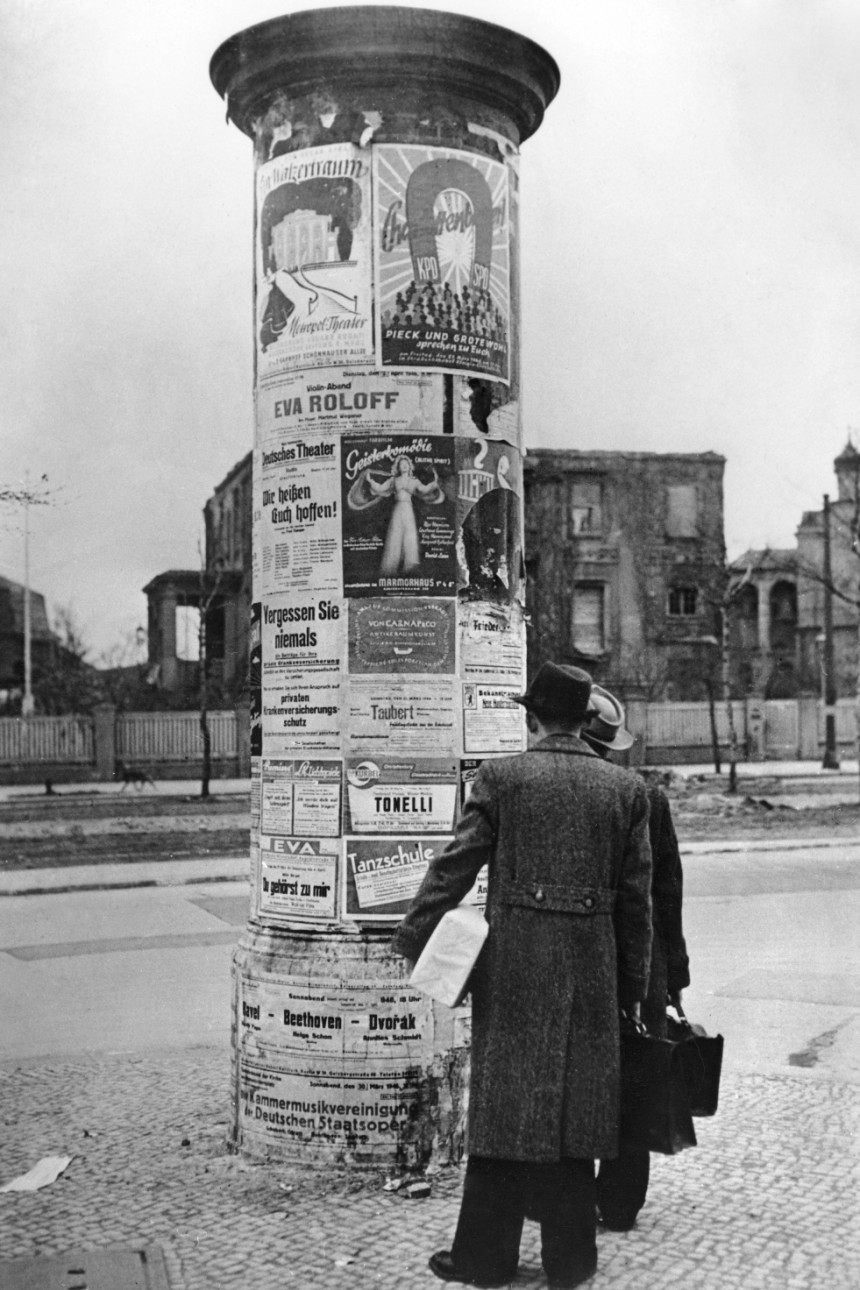 """""""Litfaßsäulen"""" à Berlin en 1946"""