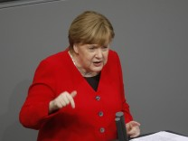 Merkel Gives Government Declaration Ahead Of EU Summit