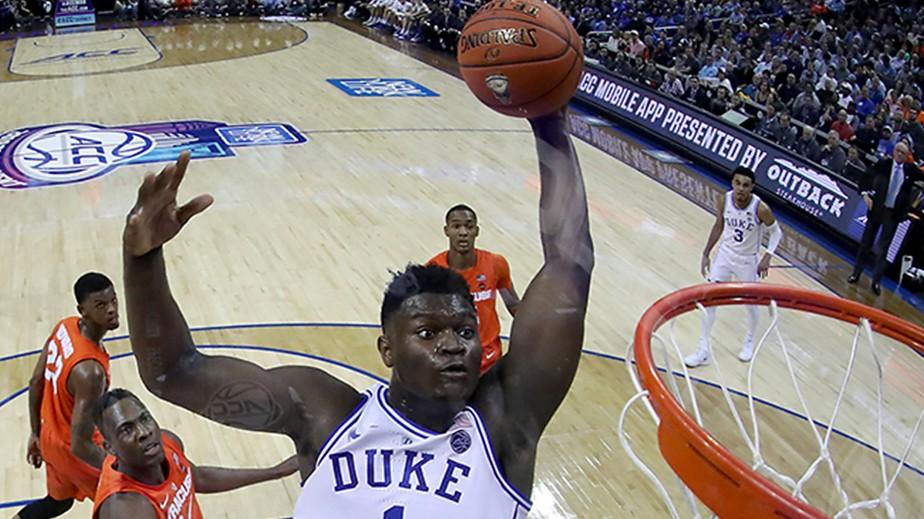 Basketball-Seine-St-rke-ist-der-Monsterdunk-