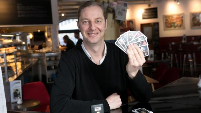 Martin Emmerling, der Erfinder des Boazn-Quartetts, im Stadtcafé am St.-Jakobs-Platz