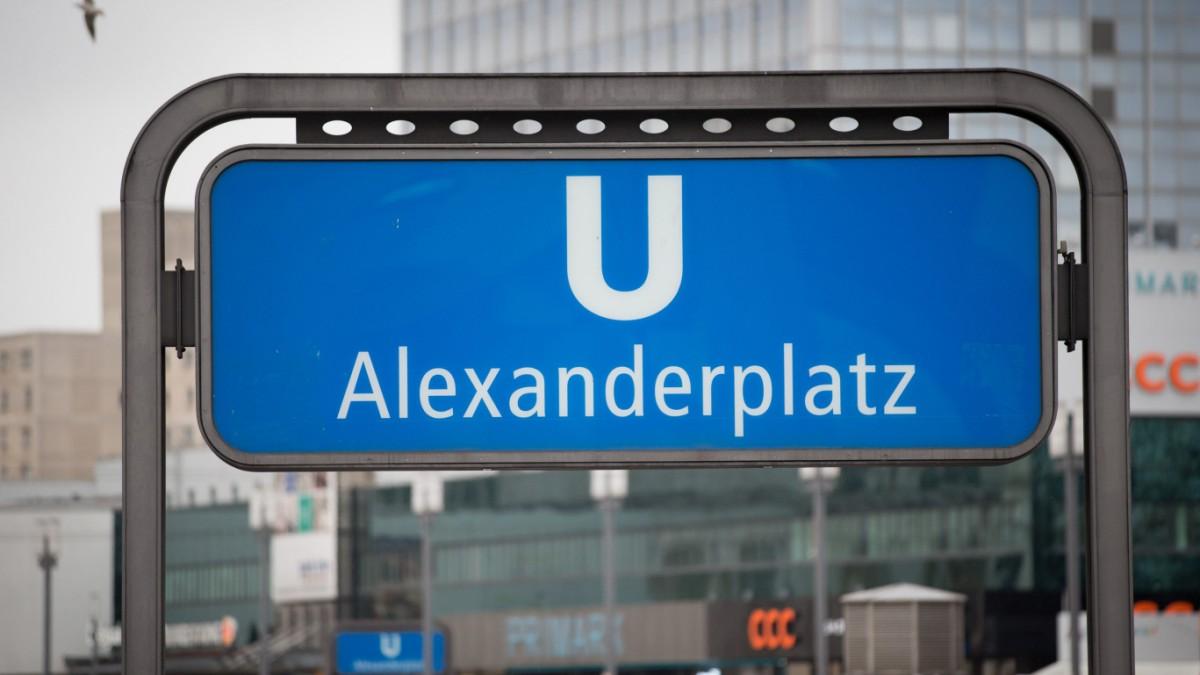 Berlin-400-Personen-versammeln-sich-f-r-Massenschl-gerei-am-Alexanderplatz