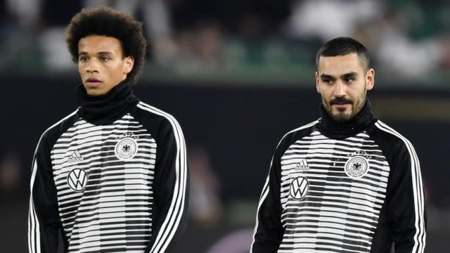 DFB - Die Nationalspieler Marcel Halstenberg, Leroy Sane und Ilkay Gundogan vor dem Spiel gegen Serbien