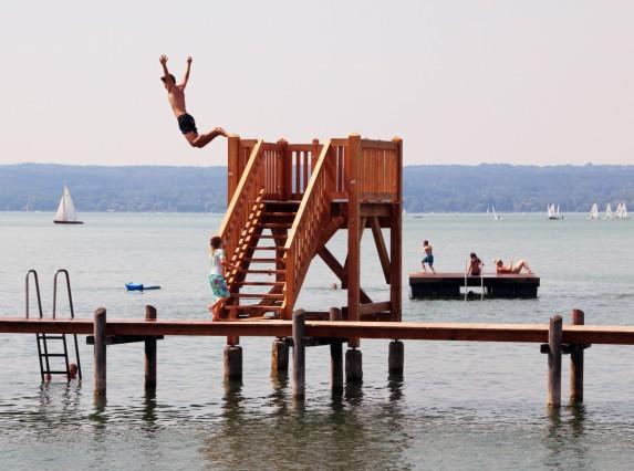 Neuer Sprungturm im Seewinkel; Neu in Herrsching