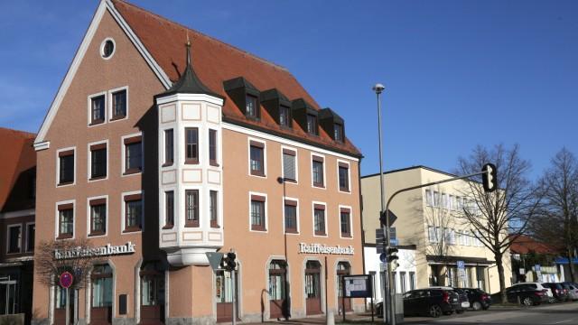 Neufahrn bei Freising Umbau des Raiffeisenbankhauses