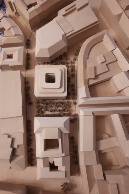 Masterkonzept für Georg-Kronawitter-Platz Modell des Architekten Ulrich Hamann von Foster + Partners London