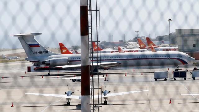 Venezuela - Ein russisches Flugzeug im Flughafen von Caracas