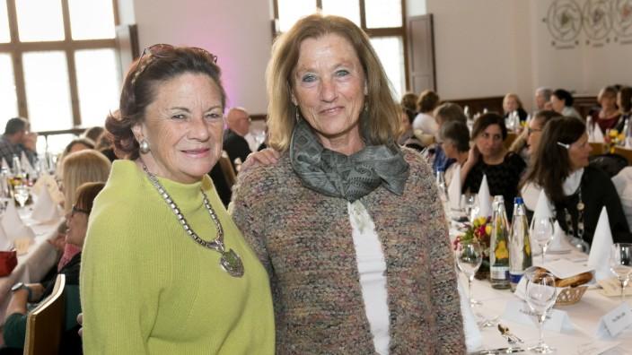 Ehrung und Jubiläumsfeier zweier Erzieherinnen  im Alten Rathaus