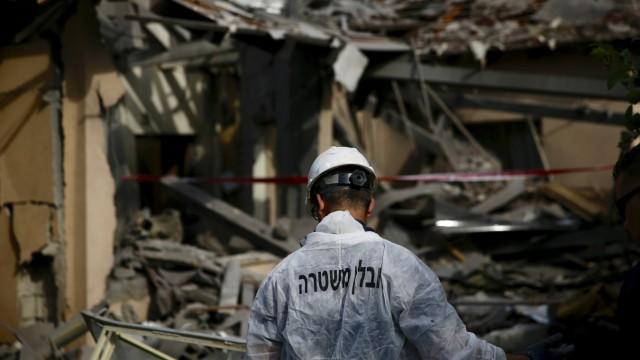 Haus in Israel von Rakete getroffen