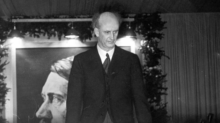Wilhelm Furtwängler dirigiert ein Werkkonzert, 1939
