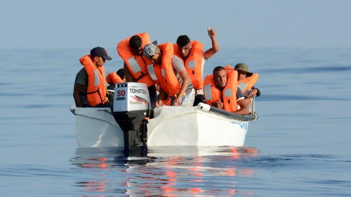 Flüchtlinge im Mittelmeer vor der lybischen Küste