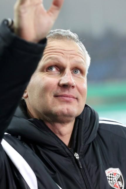 DFB Pokal SC Paderborn 07 FC Ingolstadt 04 Geschäftsführer Harald Gärtner FCI winkt DFB Poka; Harald Gärtner Ingolstadt