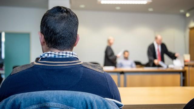 Stuttgart - Prozess gegen einen Polizisten 2019