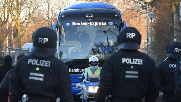 Polizeieinsatz beim  Spiel Werder Bremen - Hamburger SV