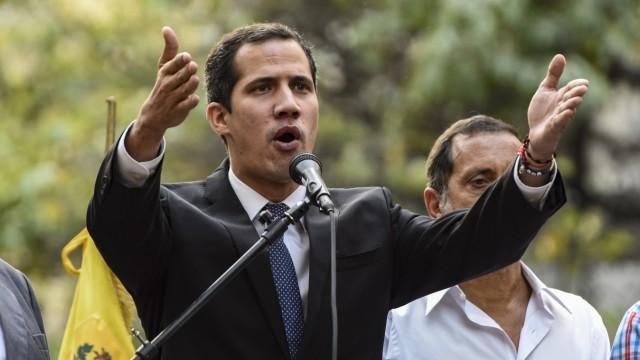 Venezuela - Oppositionsführer Juan Guaido bei einer Rede in Caracas