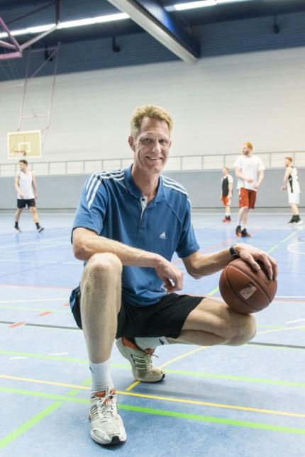 Unterhaching, Turnhalle Gymnasium, Basketball TSV Unterhaching, Herrenteam ist  in die Regionalliga aufgestiegen. Treffen mit Trainer Frank Kropp und der Mannschaft,