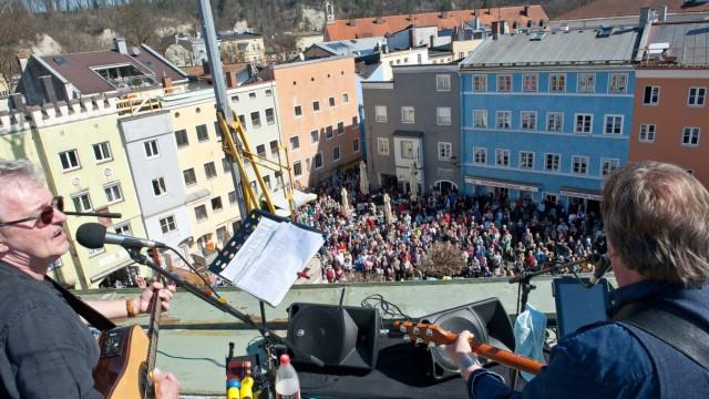 """Wasserburg 50 Jahre nach dem ersten """"Rooftop Concert"""""""