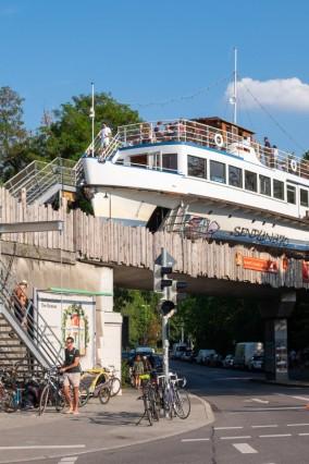 Die Alte Utting als Partyschiff Die Alte Utting ist eine Kulturveranstaltungsstätte in der Außenhau