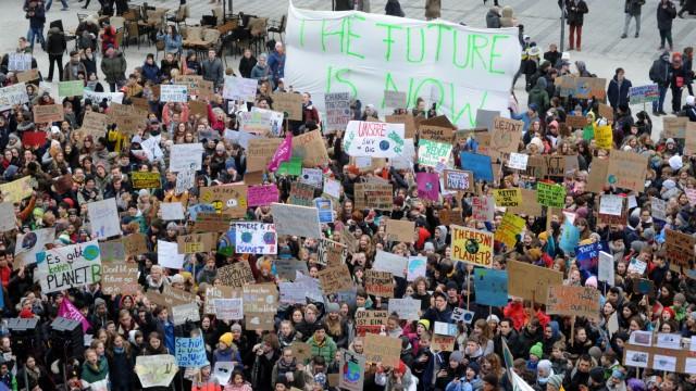 """""""Fridays for Future"""" Schülerdemonstration für den Klimaschutz in München, 2019"""