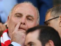 FC Bayern München - Uli Hoeneß 2019 beim Spiel gegen den SC Freiburg