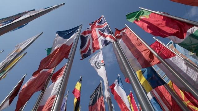 Fahnen, Flaggen vor dem Europäischen Patentamt, Erhardtstraße
