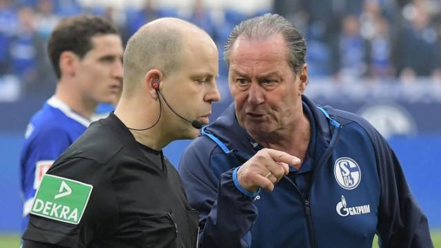 06 04 2019 xjhx Fussball 1 Bundesliga FC Schalke 04 Eintracht Frankfurt emspor v l Trainer Hu