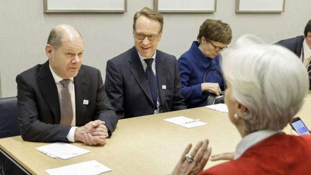 Bundesfinanzminister Olaf Scholz SPD trifft sich mit Christine Lagarde Geschaeftsfuehrende Direk