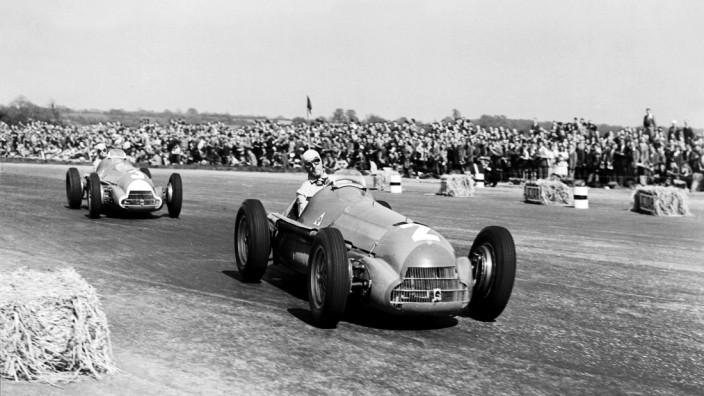 1950 British Grand Prix Silverstone England 11 13 May 1950 Giuseppe Farina R leads Luigi Fagio; Guiseppe Farina
