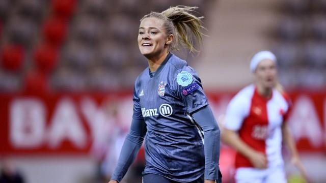 Women's Champions League - Bayern Munich v Slavia Prague