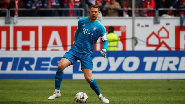 FC Bayern - Manuel Neuer beim Bundesliga-Spiel gegen Fortuna Düsseldorf