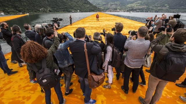 Kinostart - 'Christo - Walking on Water'