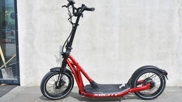Elektromobilität und alternative Antriebe E-Scooter BMW X2City im Test