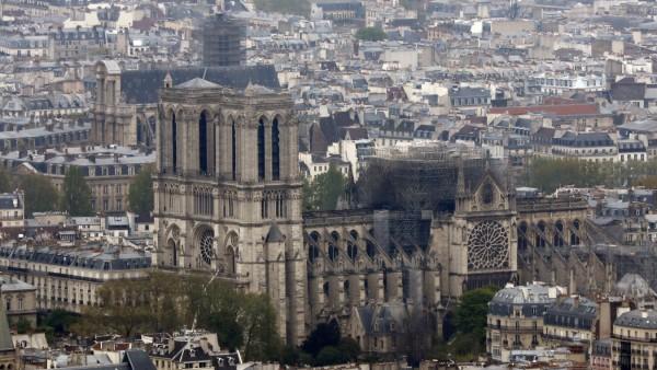 Nach dem verheerenden Brand der Kathedrale Notre-Dame