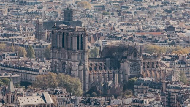 Nach dem Brand der Kathedrale Notre-Dame