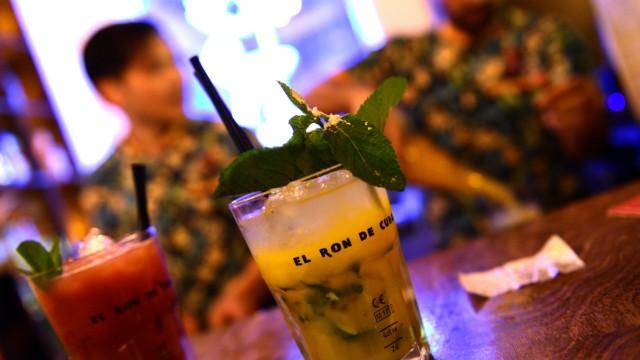 Bars in München Maui