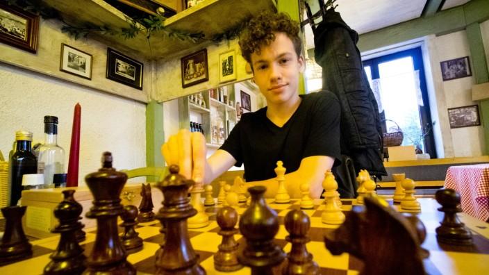 Schach U16 Stefan Kasims