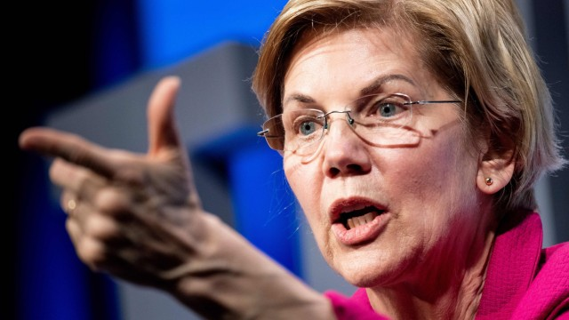 Democratic US presidential hopeful Warren calls for Trump impeachment