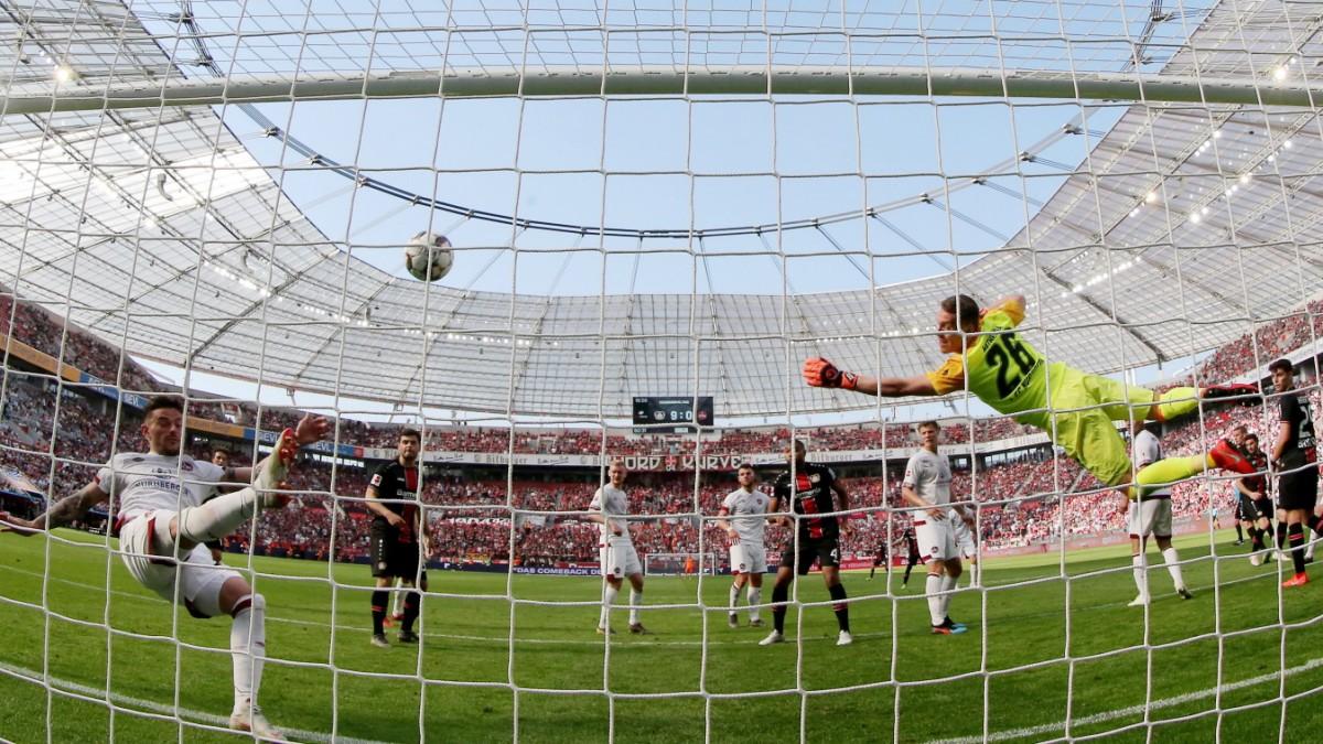 Leverkusen siegt - Die Ausbrecher bleiben hängen