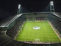 Weserstadion mit Flutlicht