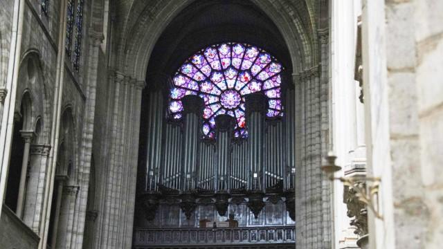 Unglück und Unfall Brand in Notre-Dame