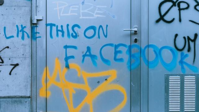 Social Media Milliardengewinn trotz Skandaljahr