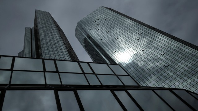 Die Deutsche Bank Ist Schwach Aber Stabil Wirtschaft Süddeutschede