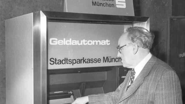 Erster Geldautomat Deutschlands in München, 1977