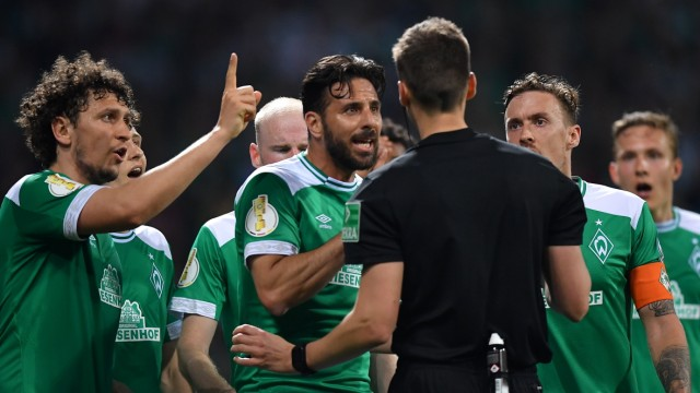 Werder Bremen v FC Bayern Muenchen - DFB Cup