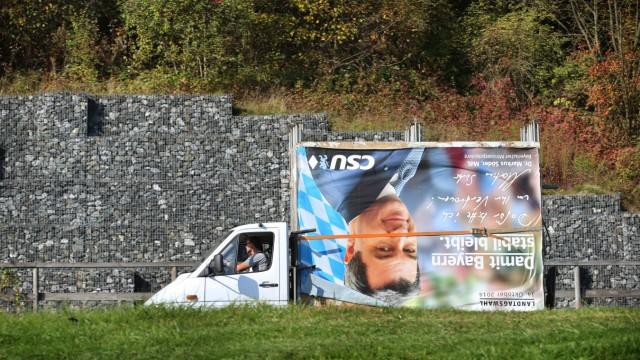 Landtagswahl Bayern - Wahlplakate werden abmontiert