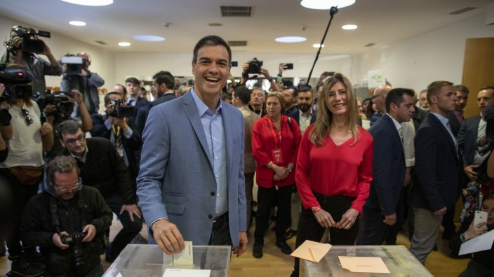 *** BESTPIX *** Spanish Candidates Vote At General Election