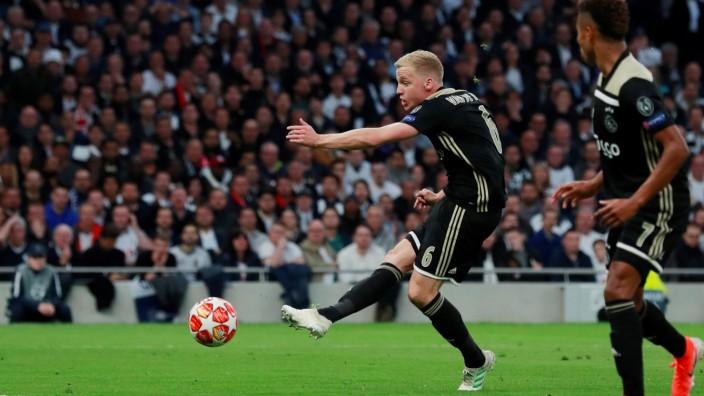 Champions League Semi Final First Leg - Tottenham Hotspur v Ajax Amsterdam