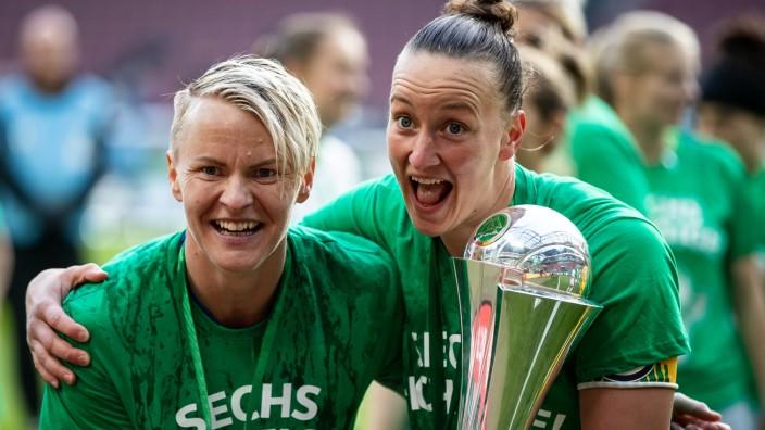 Fussball Sechster Triumph Fur Wolfsburgs Fussballerinnen