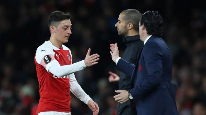 Europa League Semi Final First Leg - Arsenal v Valencia