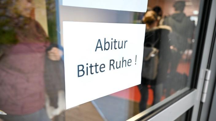 Abiturprüfungen starten mit Deutsch